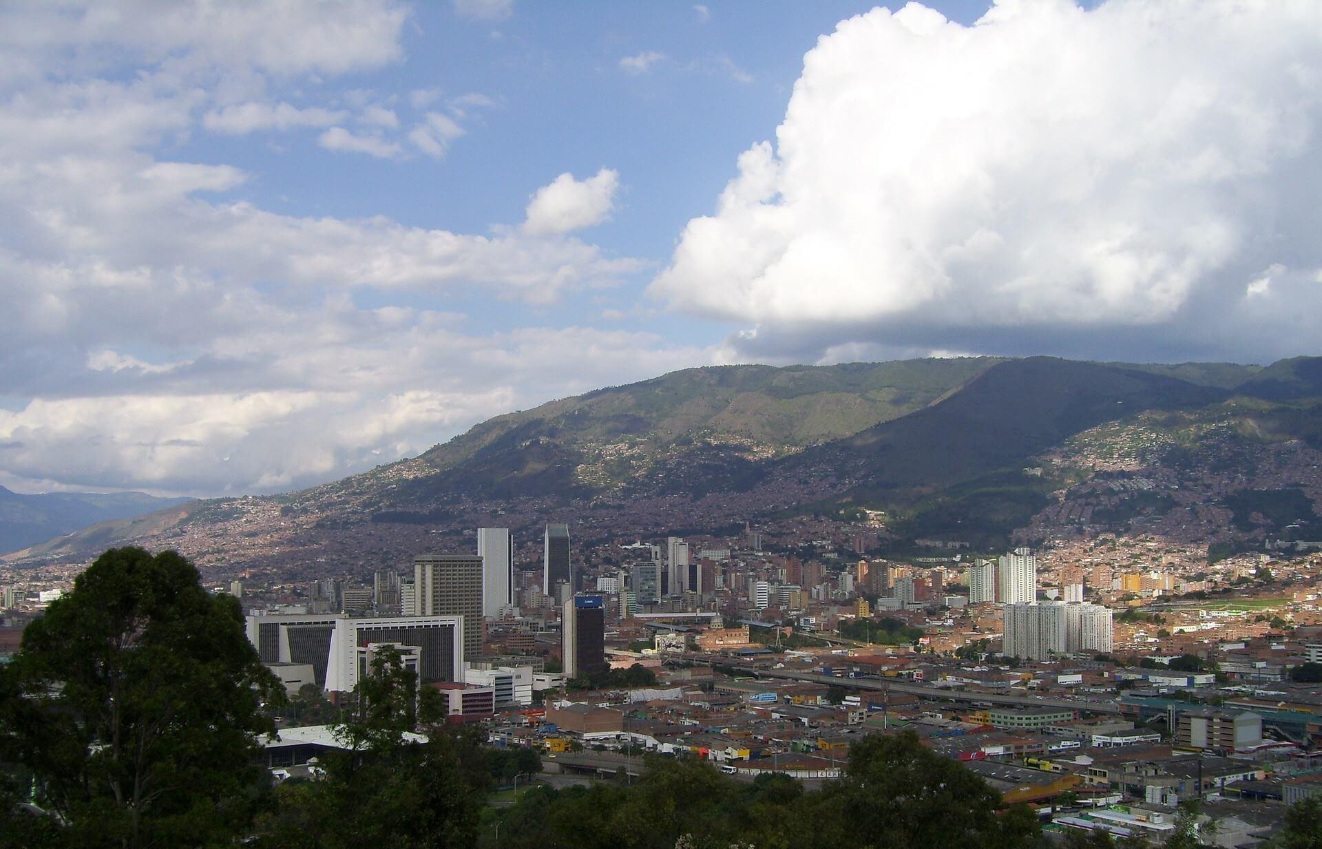 Tienes que estudiar ingles en Medellin, estas son las razones