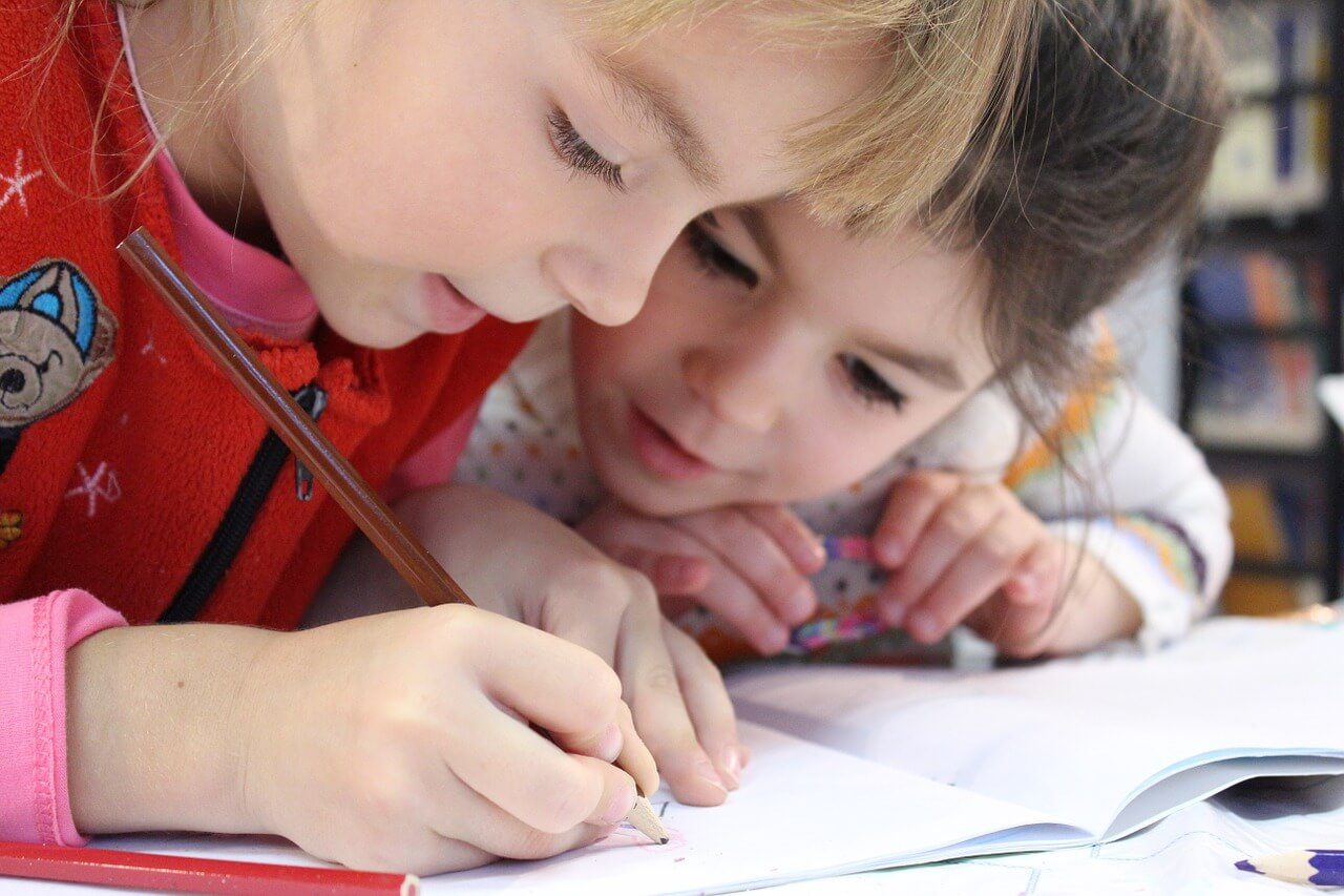 enseñar ingles en los niños. clases de ingles en medellin