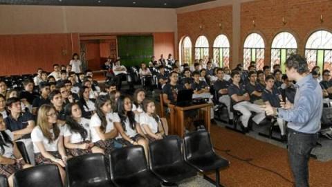 EL TEMA DEL BILINGÜISMO EN COLOMBIA
