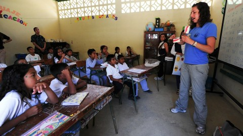 MATERIAL EDUCATIVO PARA LAS CLASES DE INGLÉS EN MEDELLÍN