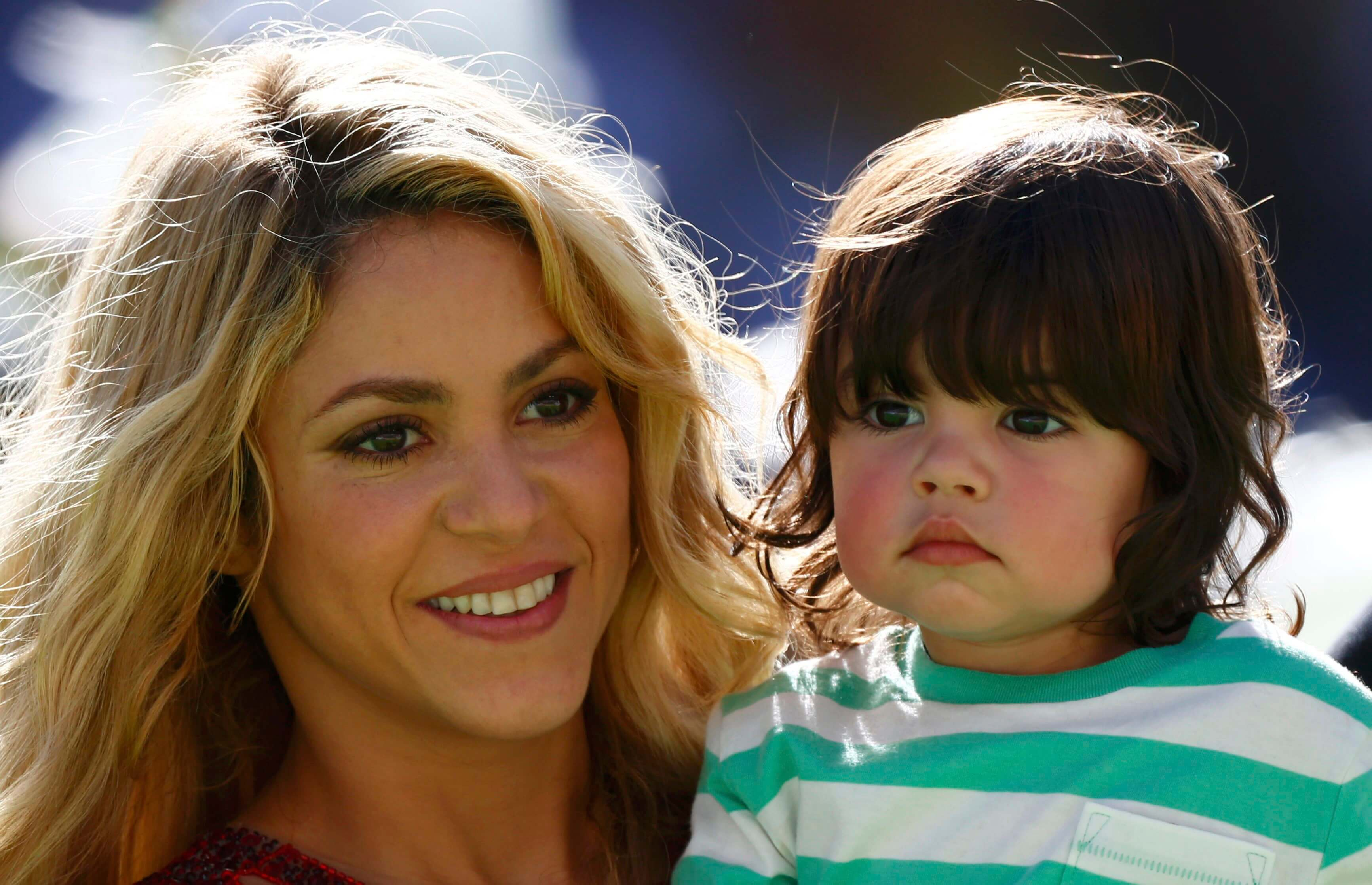 Shakira enseña ingles