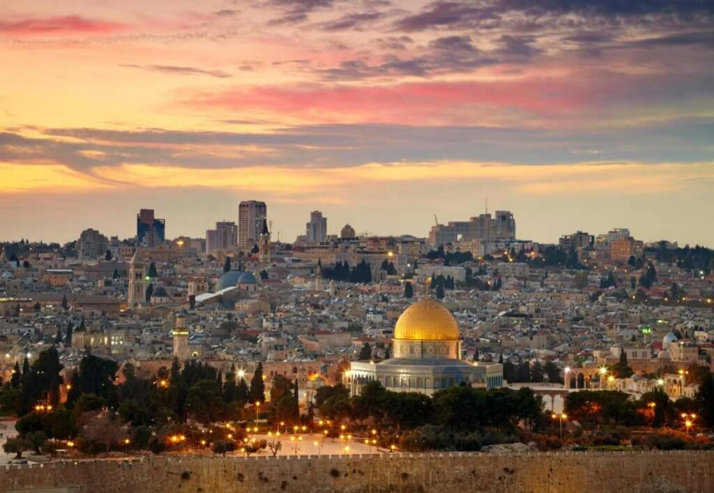 israel-estudiar-ingles-en-medellin